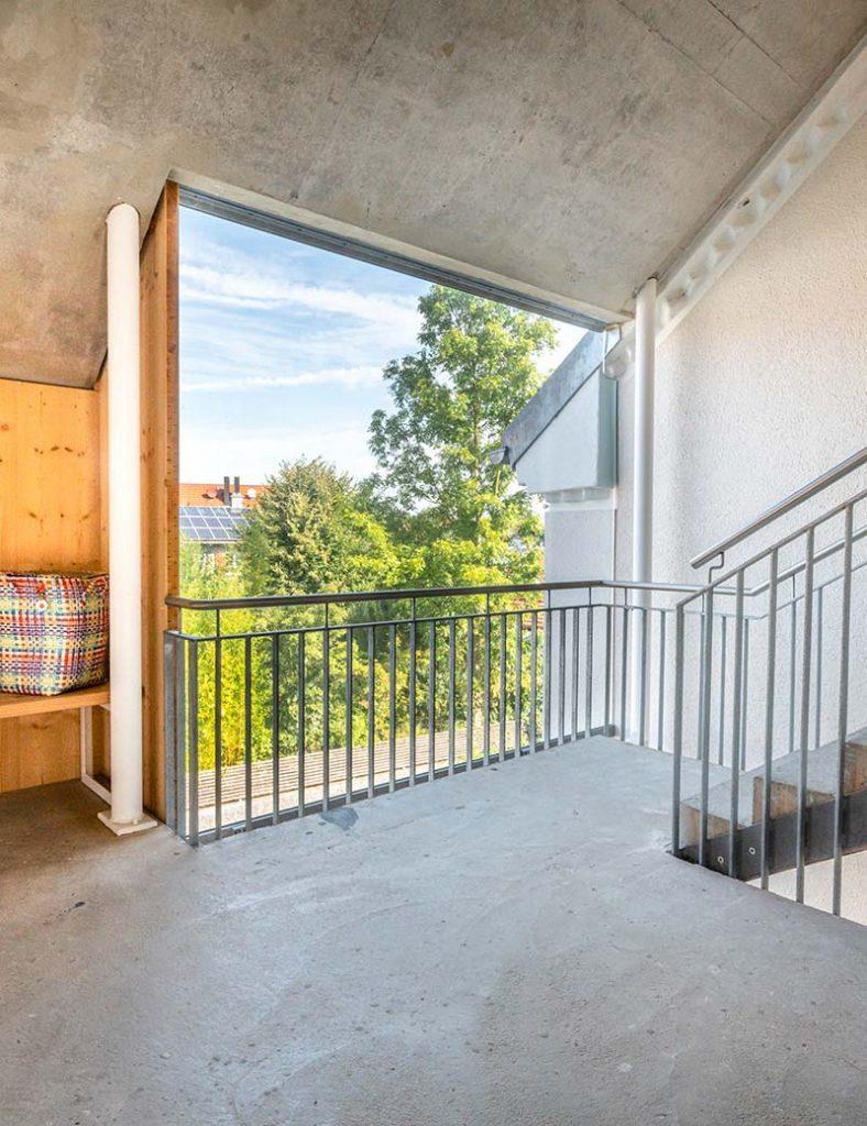 Treppenhaus im Mehrgenerationen-Wohnprojekt in Windach